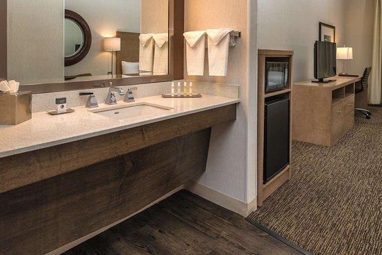 DoubleTree by Hilton Hotel Salem, Oregon: Guest room