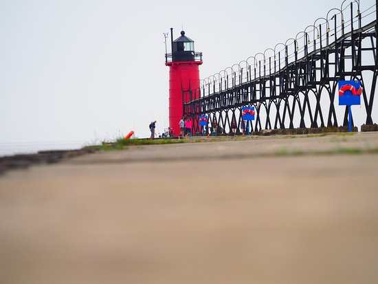 South Haven Lighthouses: South Haven Lighthouse