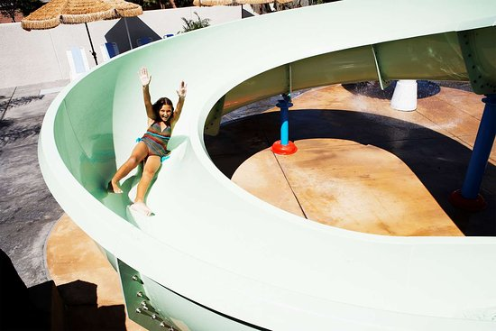 Howard Johnson Anaheim Hotel and Water Playground: Pool