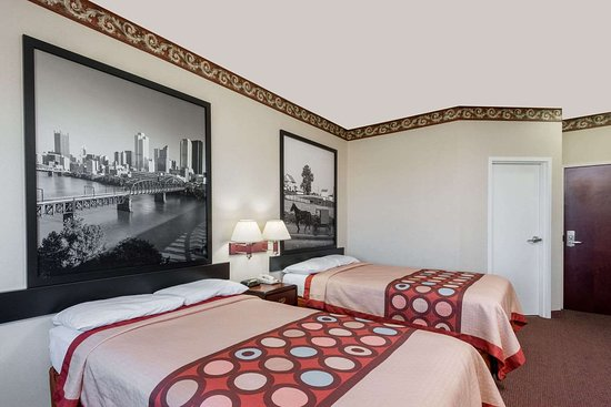 Super 8 by Wyndham Harrisburg Hershey North: 2 Double Bed Room