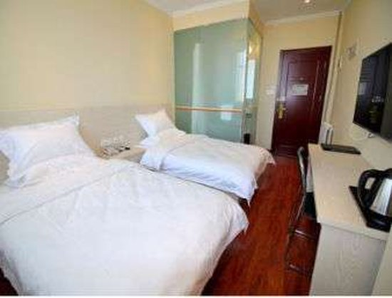Zhaoyuan, China: Twin Bed Guest Room
