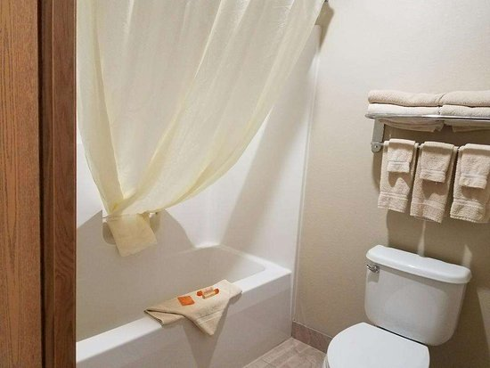 Bowman, North Dakota: Bathroom