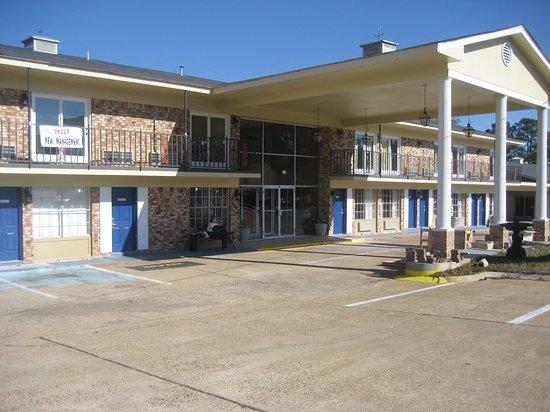 Magnuson Hotel Magnolia: Exterior
