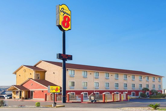 Super 8 by Wyndham San Antonio/I-35 North
