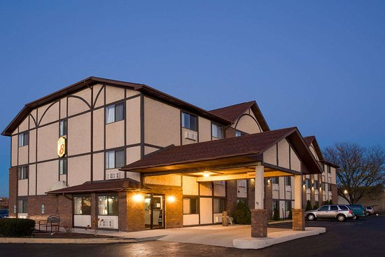 SUPER 8 BY WYNDHAM WOODSTOCK $57 ($̶7̶1̶) - Prices & Hotel