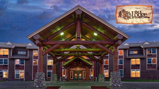 Biwabik, MN: Hotel Front Entrance