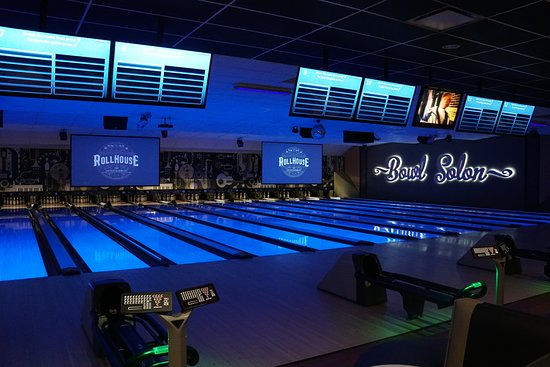 RollHouse: Upscale Bowling Lanes - State-of-the-Art Lighting and Sound