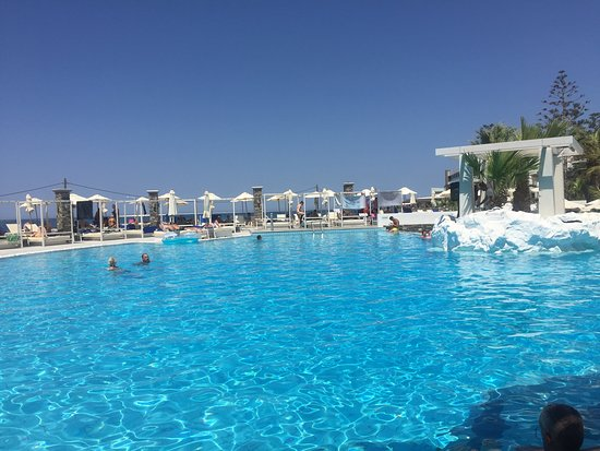 The Island Hotel: Main Pool