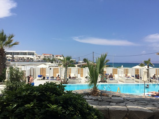 The Island Hotel: smaller pool