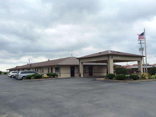 McGehee, AR: Exterior
