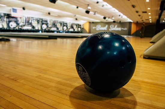 RollHouse: Pick up a ball and have a Ball!