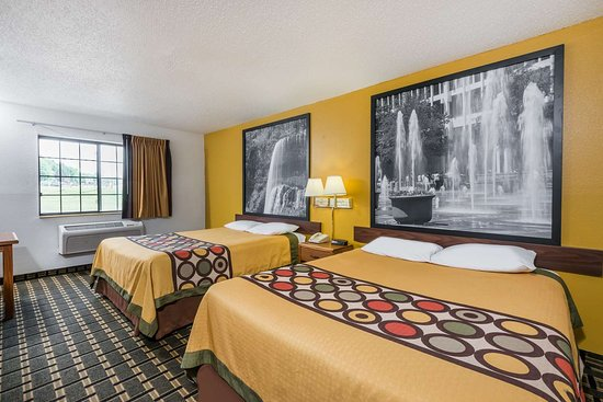 Super 8 by Wyndham Coshocton Roscoe Village: Guest room