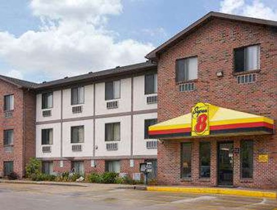 Super 8 by Wyndham Omaha/West Dodge
