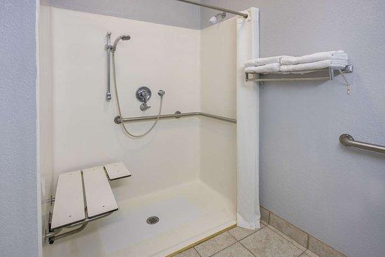 Sweet Springs, Missouri: Guest room bath