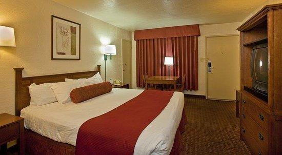Blythe, CA: King Guest Room