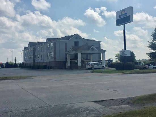 Days Inn by Wyndham North Little Rock