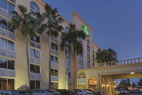 La Quinta Inn Amp Suites West Palm Beach Airport 81