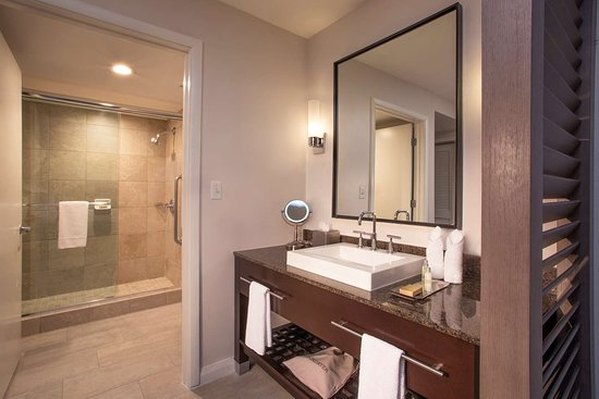 doubletree resort by hilton hollywood beach 169 2 2 1. Black Bedroom Furniture Sets. Home Design Ideas