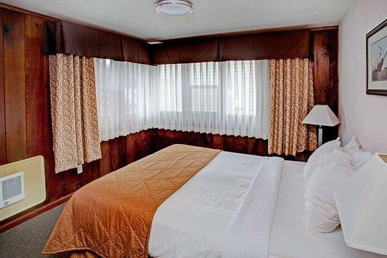 Depoe Bay, Oregon: Spacious guest room
