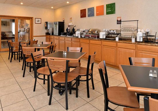 Selinsgrove, PA: Breakfast counter
