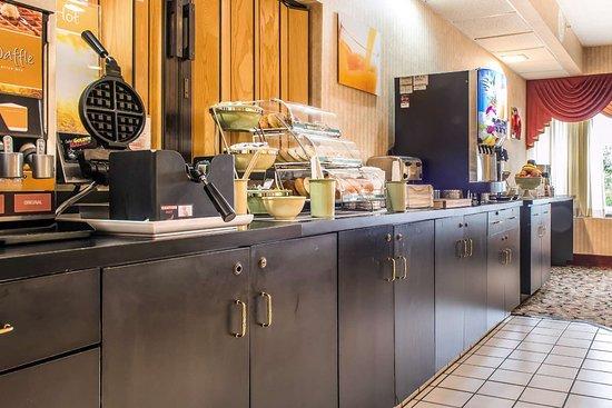 Ebensburg, PA: Breakfast area