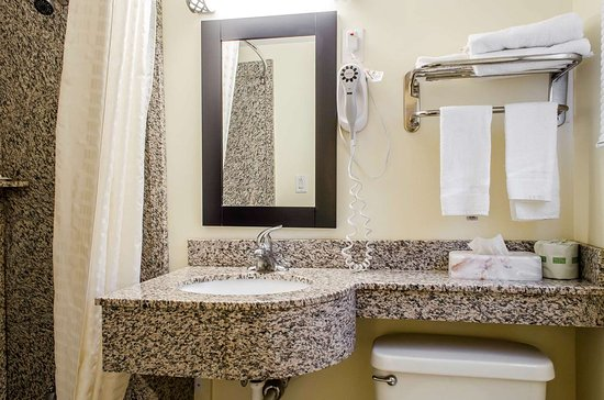 Bellefonte, PA: Bathroom