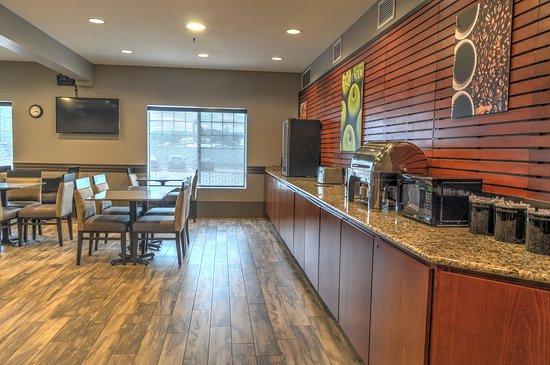 breakfast room picture of la quinta inn suites kalispell rh tripadvisor ie