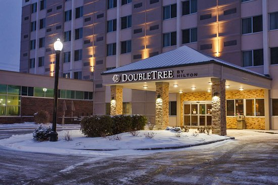 Doubletree By Hilton Neenah 89 110 Prices Hotel Reviews