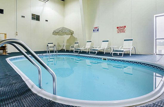 Mission, SD: Indoor pool