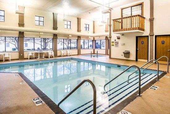 Oconto, WI: Indoor heated pool