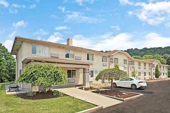 Super 8 by Wyndham Canonsburg/Pittsburgh Area