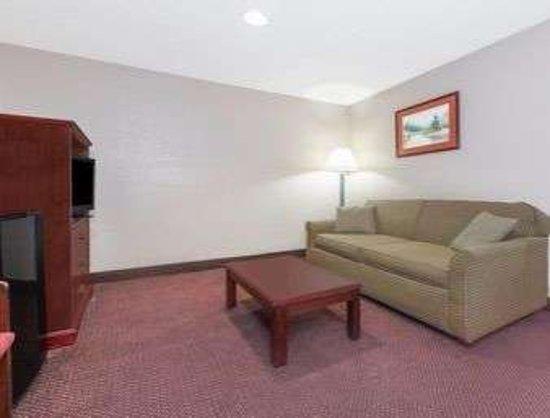 Shepherdsville, KY: Living Room