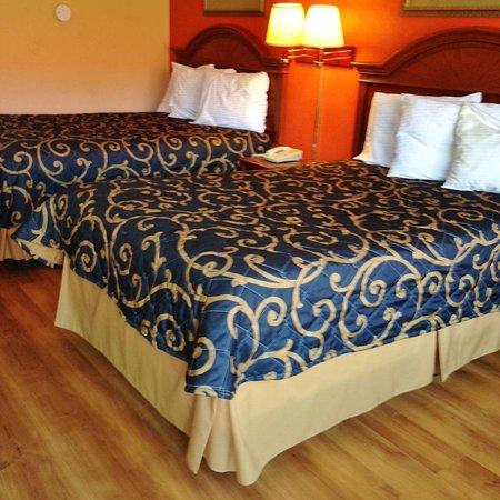 Forest, Миссисипи: Two Double Beds