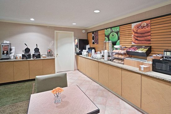 la quinta inn suites mansfield 95 1 1 5 updated. Black Bedroom Furniture Sets. Home Design Ideas