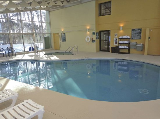 La Quinta Inn & Suites Stevens Point: Pool view