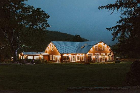 Oliverea, Estado de Nueva York: Announcing the 'Moondance' Pavilion, our exquisite, new events facility.