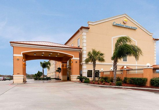 Comfort Inn & Suites Galveston Bay Refineries Hotel