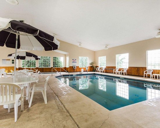 Edgerton, WI: Indoor pool