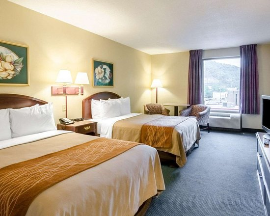 Comfort Inn Grundy: Well-equipped suite