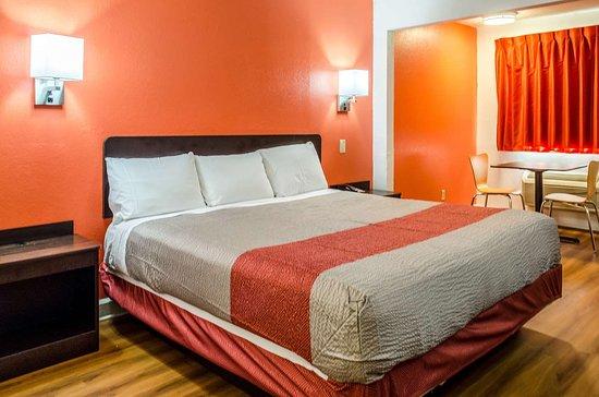 Motel 6 Saraland: single