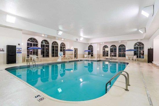 Travelodge & Suites by Wyndham Fargo/Moorhead