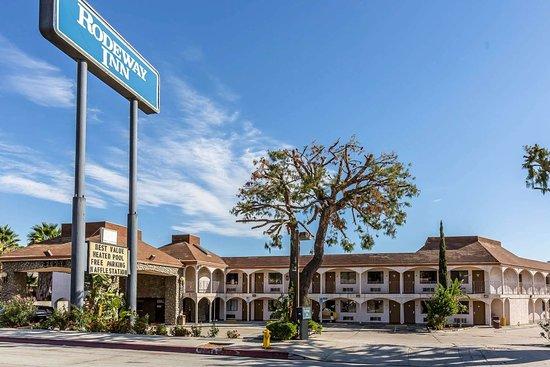 Rodeway Inn Magic Mountain Area: Hotel near amusement park
