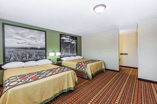 Adair, IA: Guest room