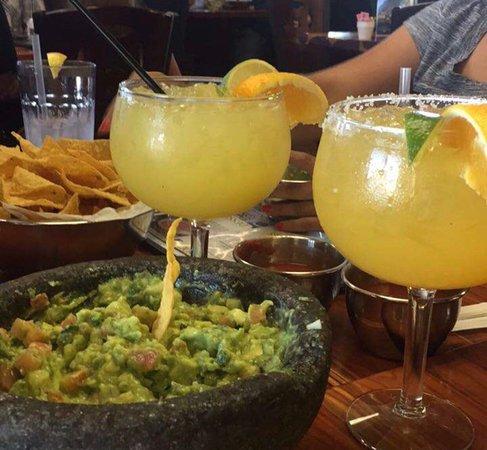 Early, Teksas: House Jumbo Margaritas!