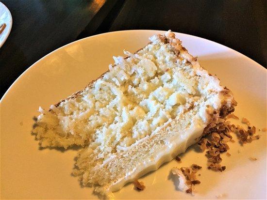 Waverly, Алабама: Coconut Cake