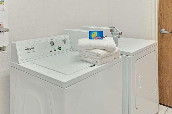 Hampshire, IL: Laundry Room