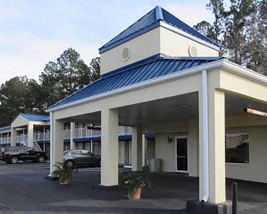 Rodeway Inn Walterboro Motel