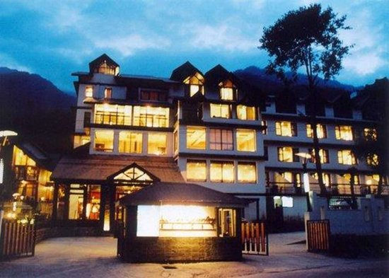 Quality Inn and Suites River Country Resort: Quality Inn & Suites River Country Resort hotel in Manali, India