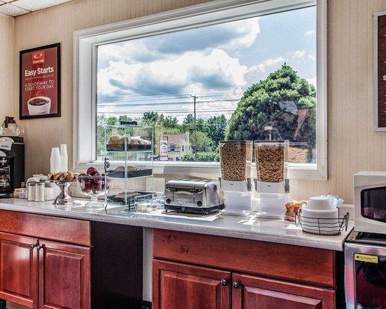 Douglassville, PA: Breakfast counter