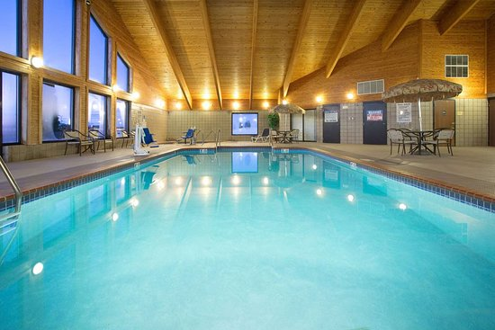 New London, WI: Pool